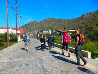 hiking-on-Crete-in-March